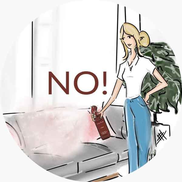 Alte percentuali di oli essenziali possono macchiare tessuti di tende e divani, mobili in legno o rivestimenti in pelle. Ricorda di puntare il getto verso l'alto!